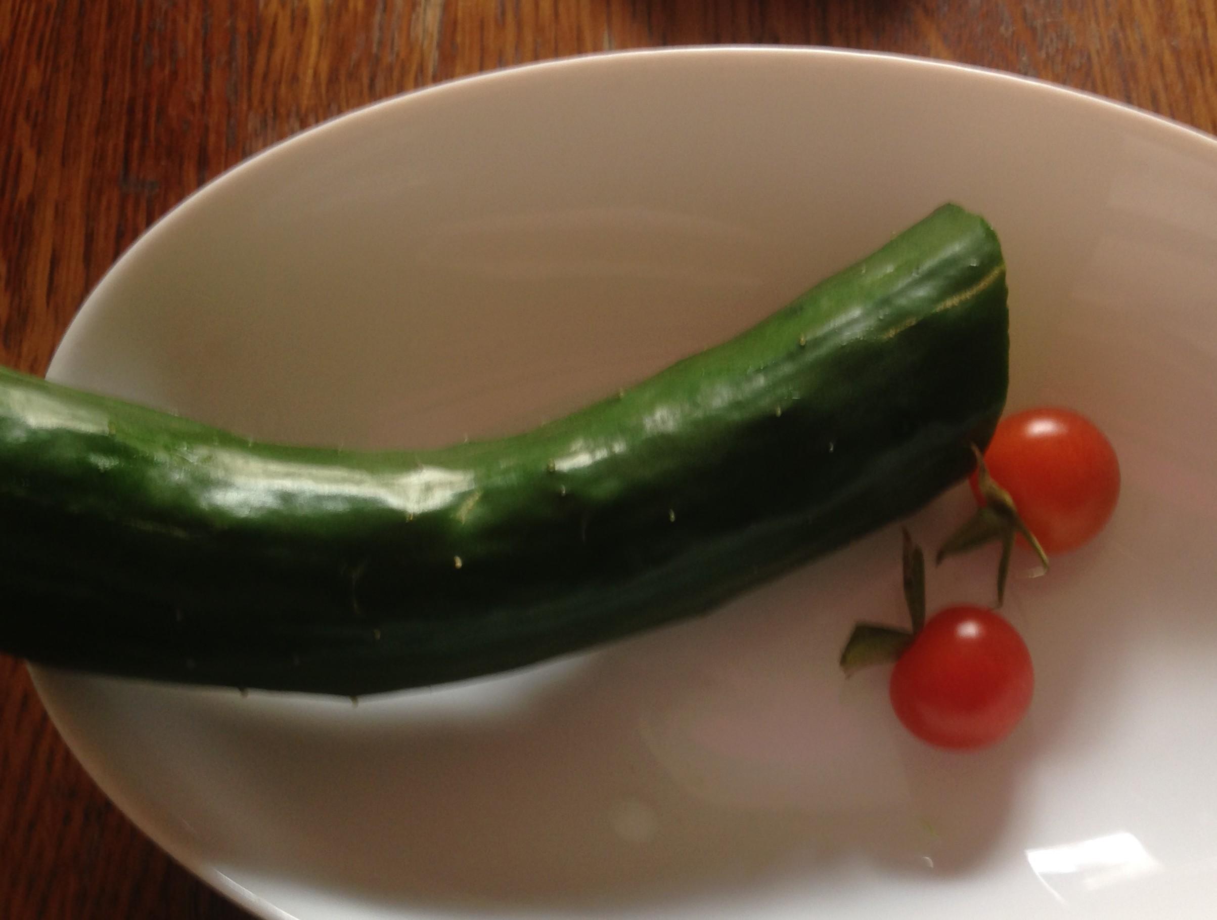 我が家の採れたて!きゅうりとミニトマト@摂理の味(母栽培)